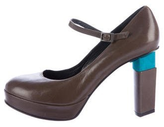 Fendi Leather Mary Jane Pumps