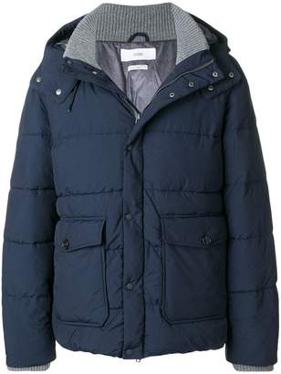 Closed zipped padded jacket
