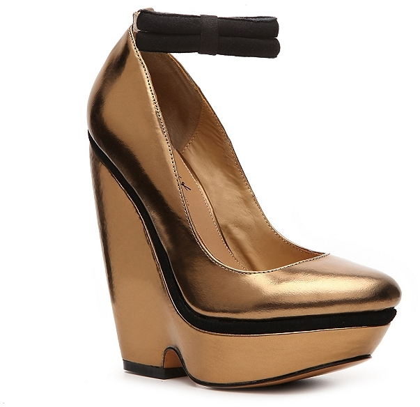 Mark & James by Badgley Mischka Elektra Wedge Pump