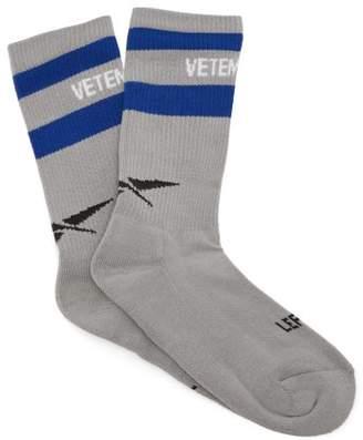 Vetements X Reebok Logo Intarsia Socks - Womens - Grey