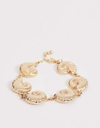 Asos Design DESIGN bracelet with metal shell pendants in gold tone