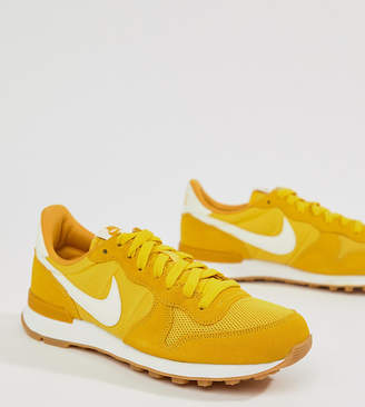 Nike Internationalist Trainers In Yellow
