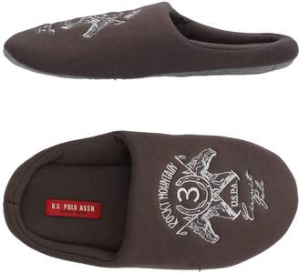 U.S. Polo Assn. Slippers - Item 11466359HK