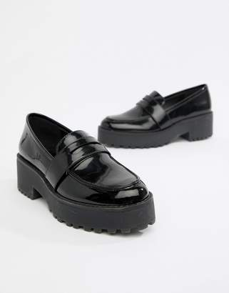 Monki chunky loafer in Black