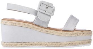 Refresh Sandals