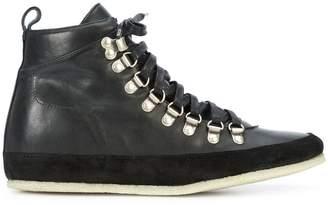 Valas hiking boots
