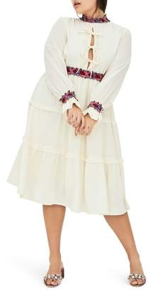 ELVI Oriela Contrast Lace Dress