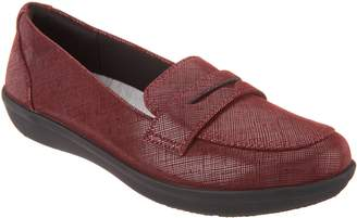 Clarks CLOUDSTEPPERS by Slip-on Loafers - Ayla Form
