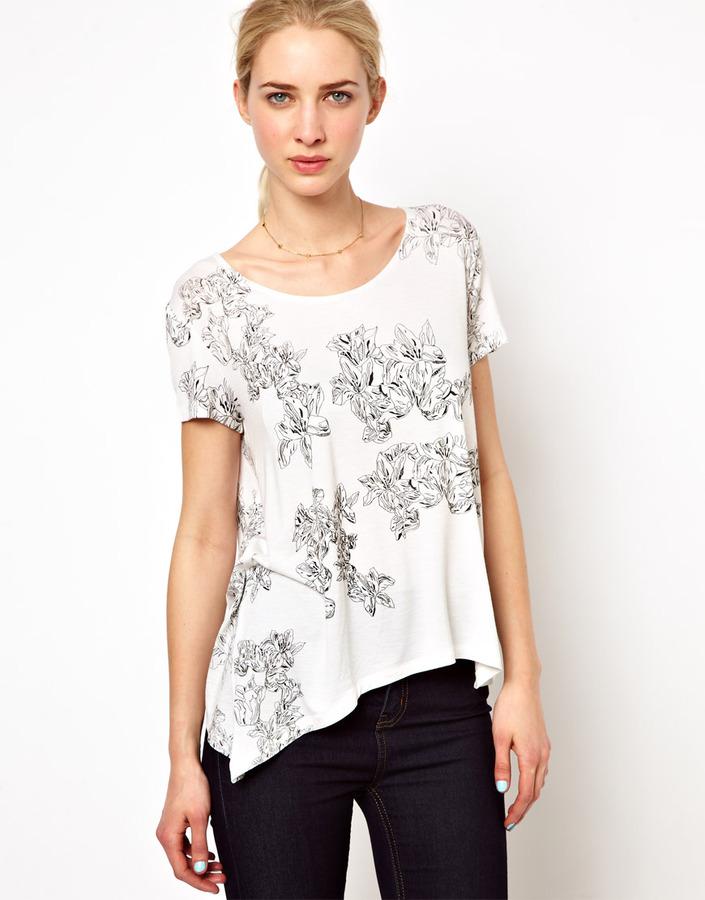 Olivia Rubin Short Sleeved T-Shirt with Curved Hem