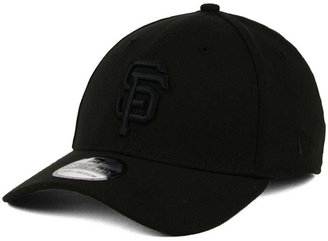New Era San Francisco Giants Black on Black Classic 39THIRTY Cap $29.99 thestylecure.com
