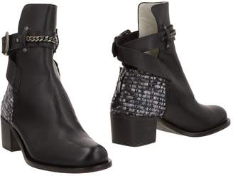 Plomo Ankle boots