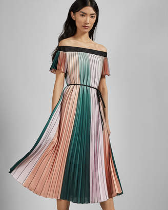 3791486d46fc3 Ted Baker FERNEE Colour block pleated midi dress