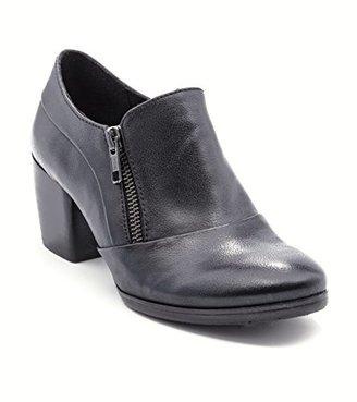 BareTraps Women's Bt Kelyn Ankle Bootie $30.72 thestylecure.com