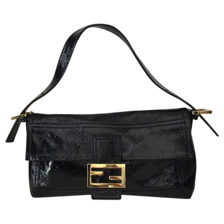 Baguette patent leather crossbo...