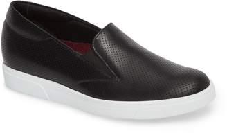 Munro American Lulu Slip-On Sneaker