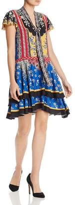 Alice + Olivia Moore Flutter-Sleeve Tiered Floral Tunic Dress