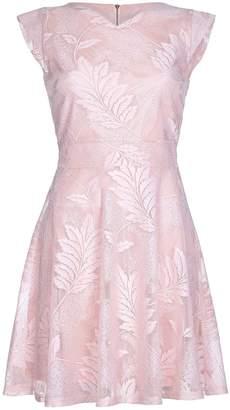 Yumi Womens/Ladies Leaf Embossed Skater Dress
