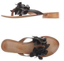 Milla KARA & Thong sandals