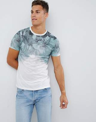 New Look t-shirt with floral fade print in green