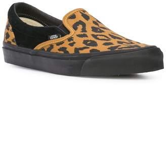 0bda747916 Vans Leopard print ua og slip-on sneakers