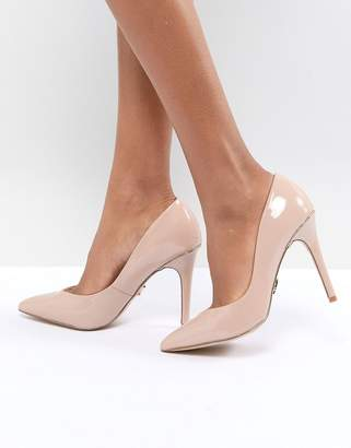 Lipsy Pointed Gold Detail Court