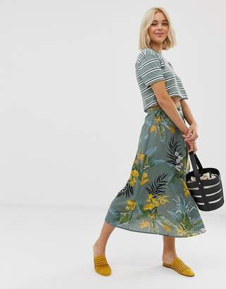 Qed London QED London midi skirt in floral print