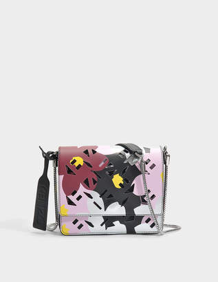 Kenzo Flying Logo Essentials Shoulder bag with Chain in Flamingo Pink Jackie Floral Printed Synthetic Fabric