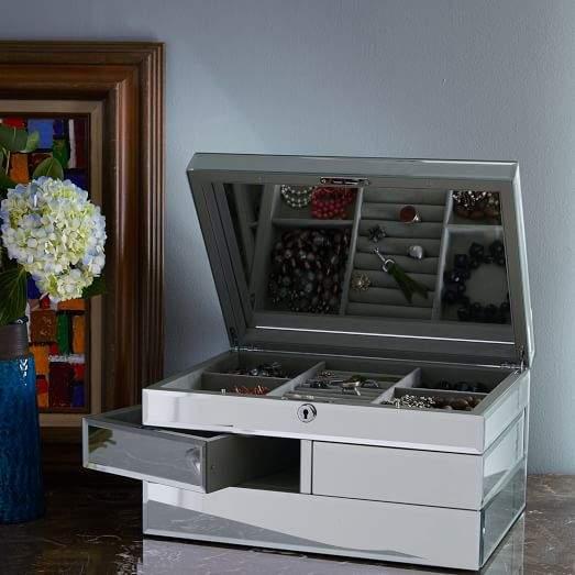 Grand Mirrored Jewelry Box