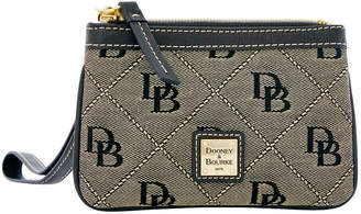 Dooney & Bourke Maxi Quilt Medium Wristlet