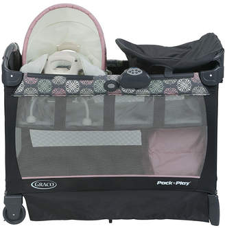 Graco Pack n Play with Cuddle Cove Removable Seat