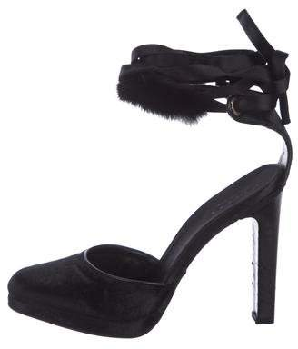 3706f7c3c Gucci Fur-Trimmed Velvet Pumps