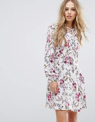 Vero Moda Tie Neck Floral Shift Dress