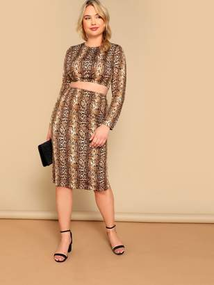 f9202b82e77df3 Shein Plus Crop Snakeskin Fitted Top   Pencil Skirt Set