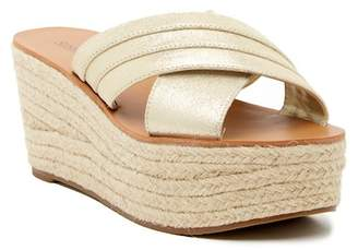 Susina Ellis Suede Platform Sandal