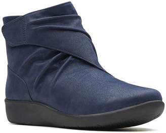 Clarks Womens Sillian Tana Bootie Flat Heel Hook and Loop