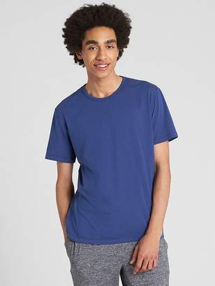 Gap Outlast® Short Sleeve Crewneck T-Shirt