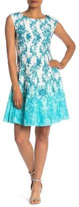 Gabby Skye Sleeveless Medallion Scuba Knee Length Dress