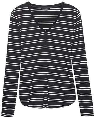 Banana Republic Luxespun Long-Sleeve V-Neck T-Shirt