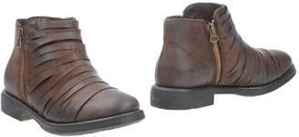 Andrea Morelli Ankle boots - Item 11301982