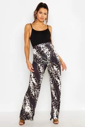 7e9114594b151 boohoo Black Maternity Trousers - ShopStyle UK