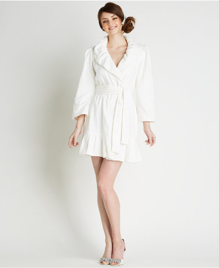Betsey johnson mrs embroidered bridal terry robe for Robes de mariage de betsey johnson