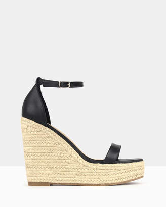 betts Sage Wedge Sandals