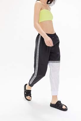 Umbro UO Exclusive Nylon Zip-Away Jogger