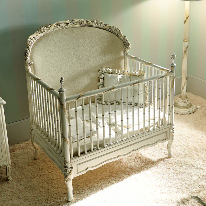 Notte Fatata Built to Grow Crib