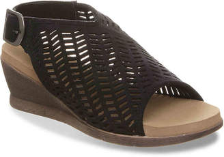 152dd2feb0fb99 BearPaw Roxie Wedge Sandal - Women s