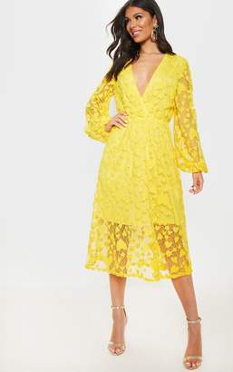 PrettyLittleThing Bright Yellow Heart Pattern Net Midi Dress