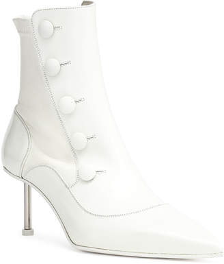2201e754ff2 Alexander McQueen Victorian white leather high heel boot