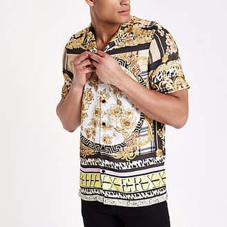 River Island Yellow baroque short sleeve revere shirt