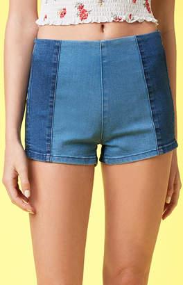 KENDALL + KYLIE Lottie Moss Halves Wash Tap Shorts