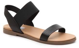 Steve Madden Darnell Flat Sandal